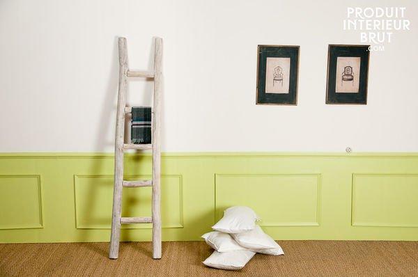 Meuble romantique le meuble vintage par pi ce for Meuble porte serviette