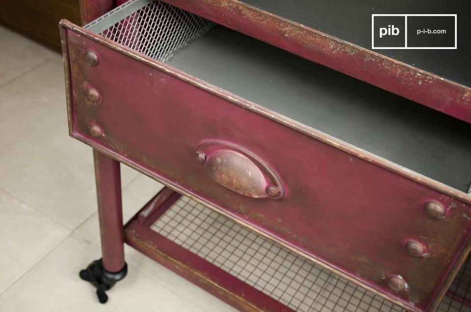Un meuble pratique et robuste, avec un style loft tout en couleur