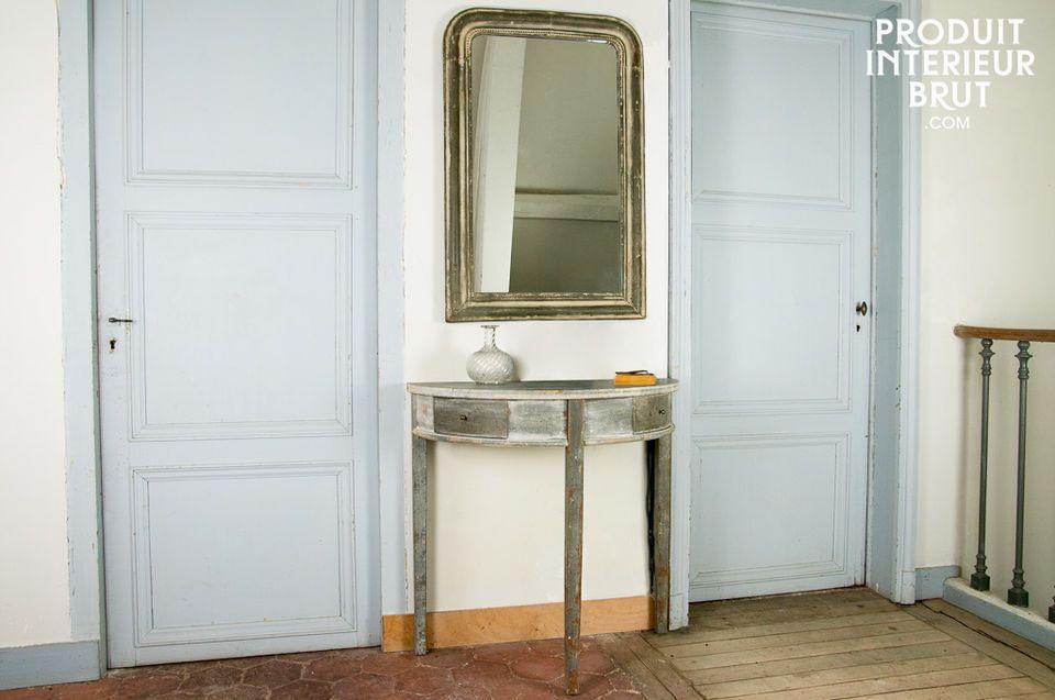 Si la ligne du miroir design Clair de Lune est assez habituelle