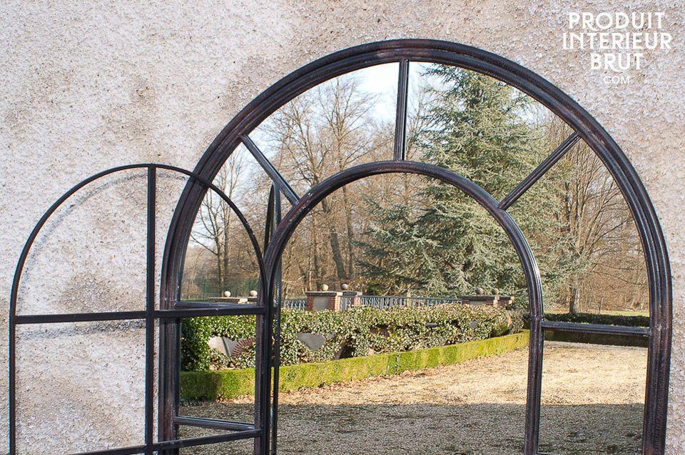 Le miroir métallique d\'orangerie est un superbe accessoire de déco rétro qui apportera des