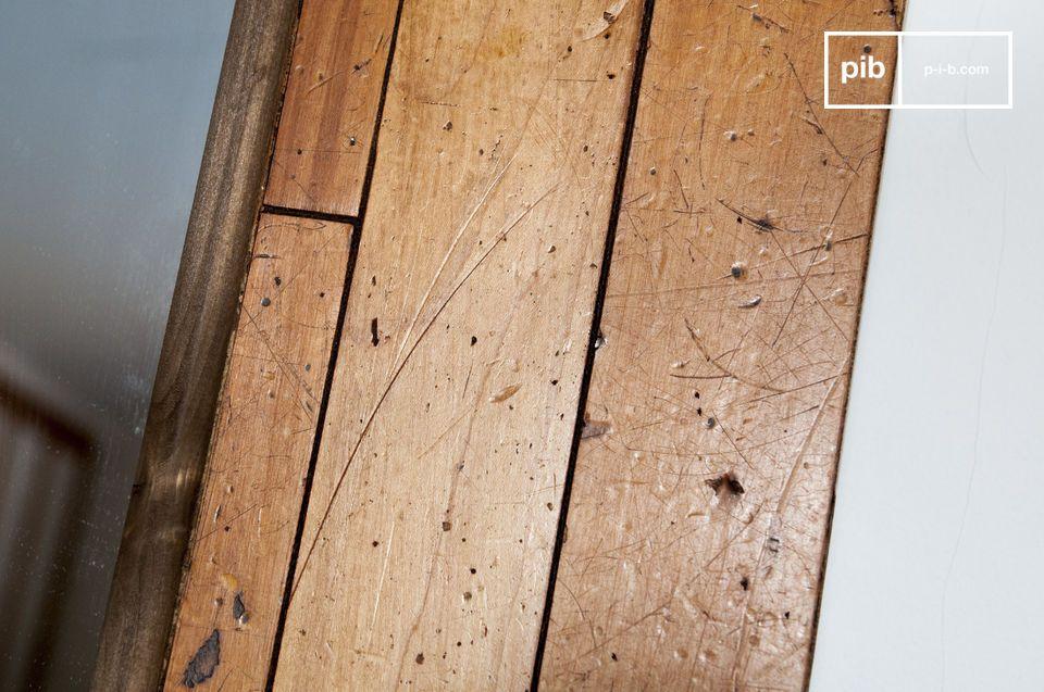 Le miroir bois Sheffield est un élément de décoration d\'exception qui apportera du cachet à