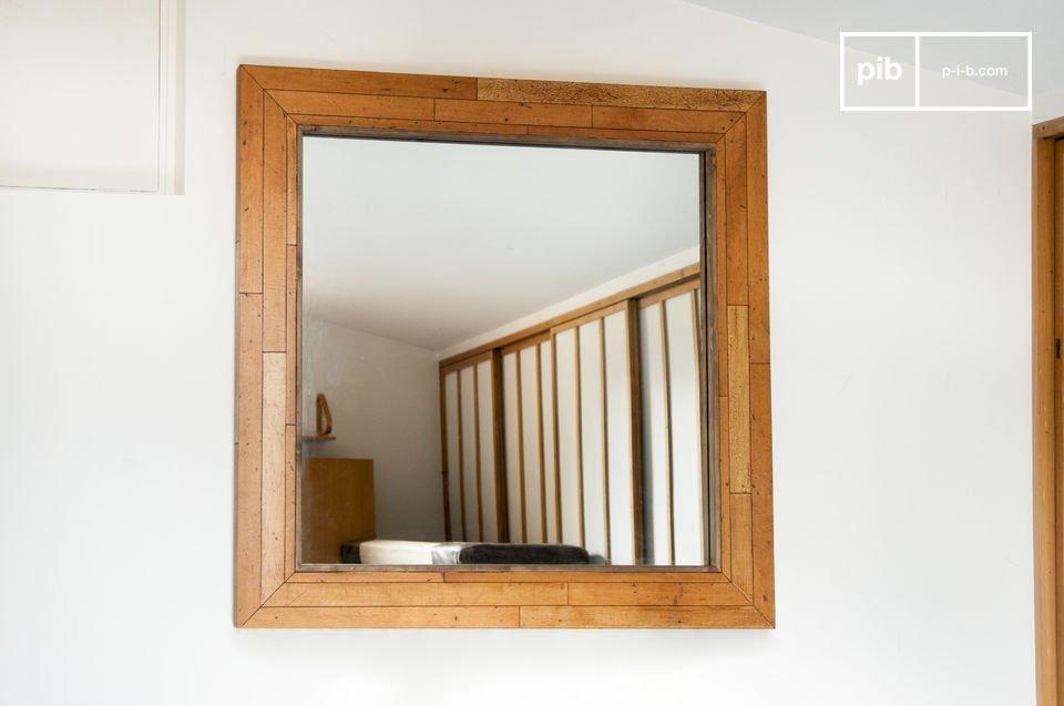 Le miroir en bois Sheffield est un élément de décoration d\'exception qui apportera du cachet à votre intérieur, tout en constituant, par sa grande taille, une source supplémentaire de lumière et d\'espace dans votre pièce