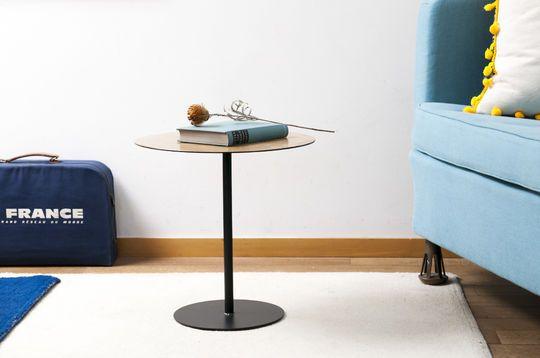 Petite table d'appoint ronde xylème