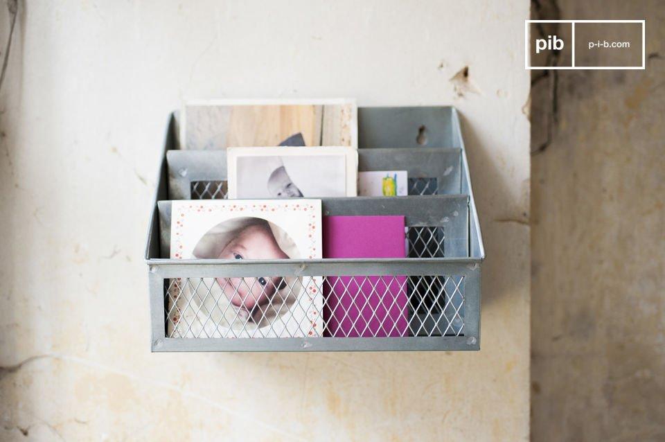 Le porte-lettres Sabir est un accessoire de rangement campagne deco cosy qui vous permettra de faire