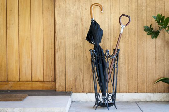 Porte-parapluie en fer noir Konz