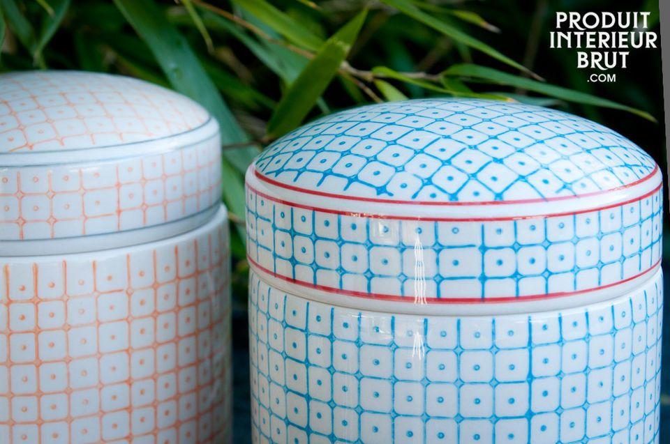 Apportez une touche de gaieté sur vos étagères avec ces trois pots colorés aux motifs