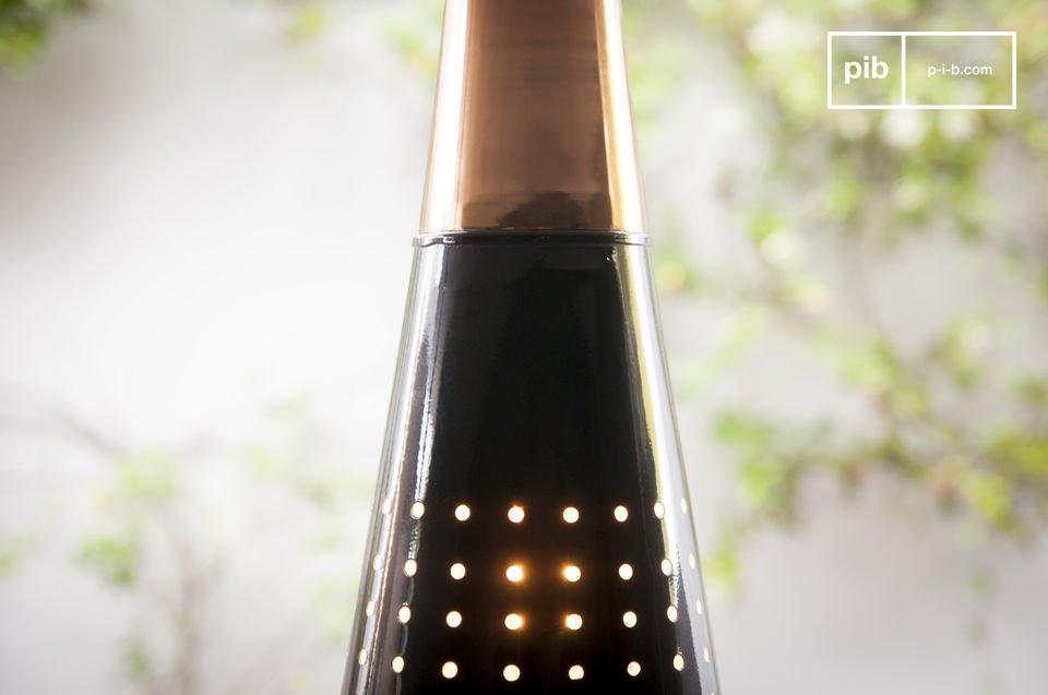 La suspension Balero est un magnifique luminaire qui rayonne de sa lumière chaude et apportera une