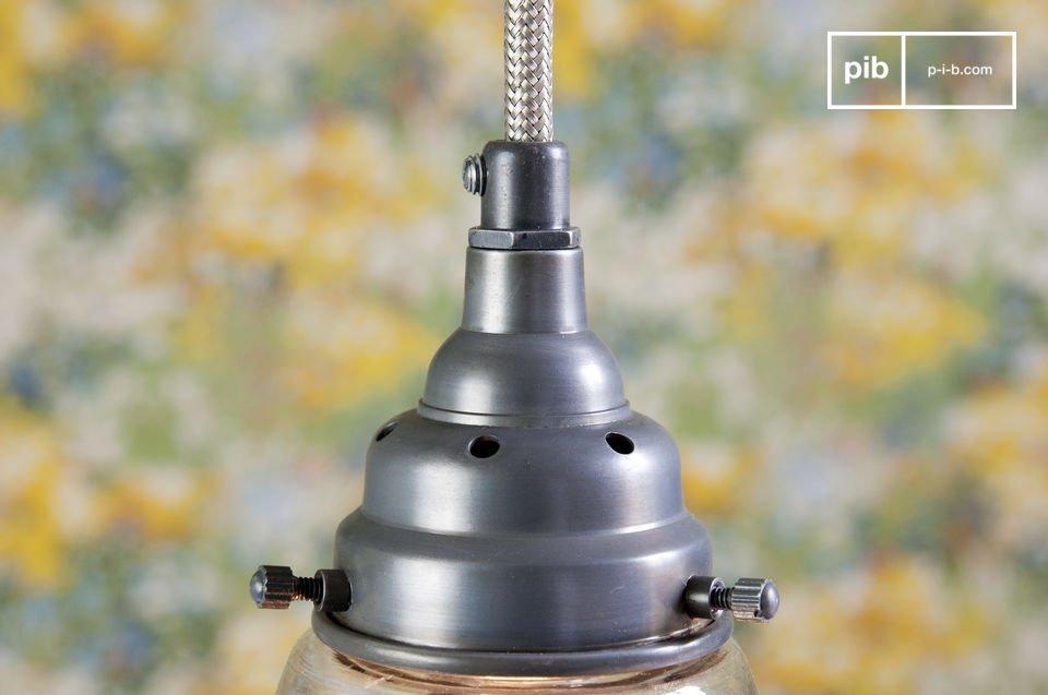 Optez pour une lampe suspendue dans un esprit brocante chic