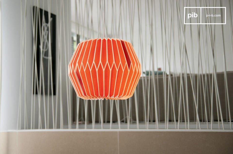 Apportez une touche de couleur à votre pièce avec cette lampe suspendue aux accents rétros