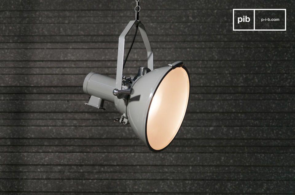 Un projecteur suspendu pour une touche de design loft