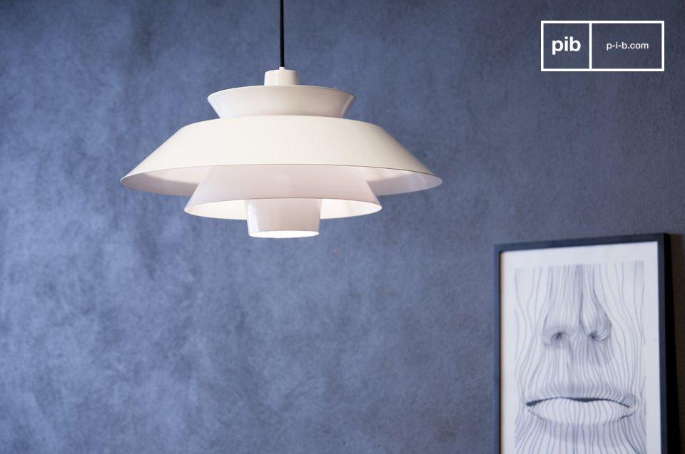 La suspension Trebäl est un luminaire design qui inondera votre intérieur d\'une lumière douce et qui vous séduira, vous et vos convives, par sa beauté originale