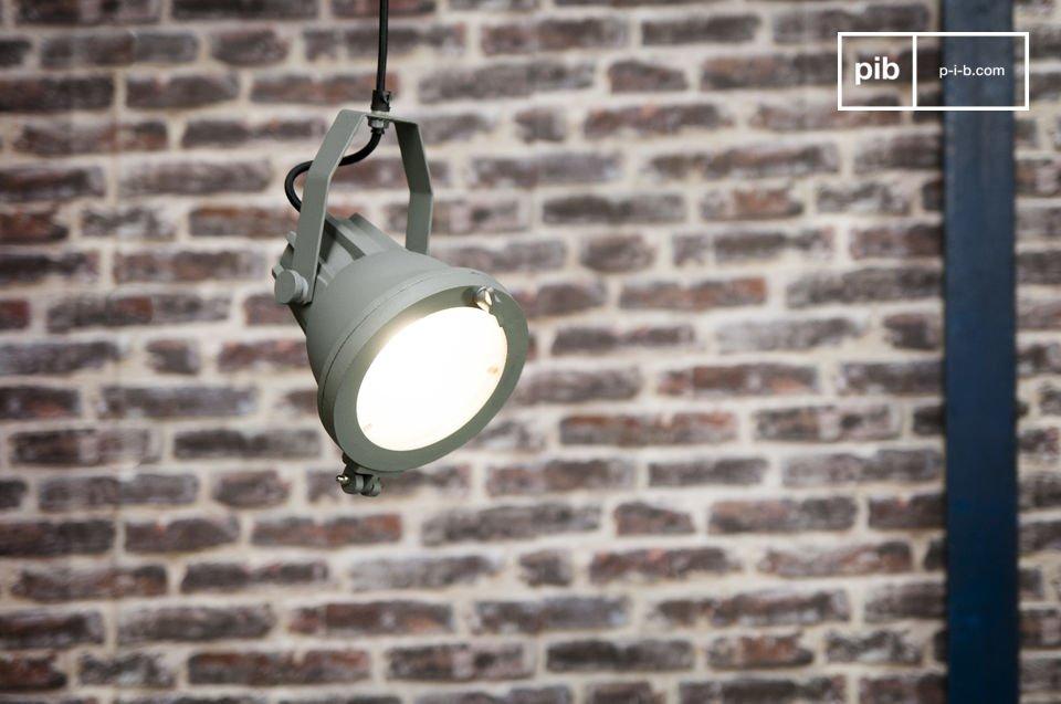 Une lampe retro aux origines maritimes