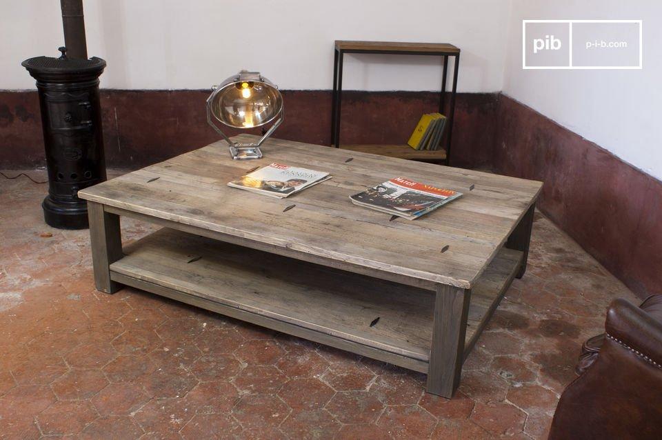 La table basse en bois à losanges métalliques est une table basse industrielle au style sans