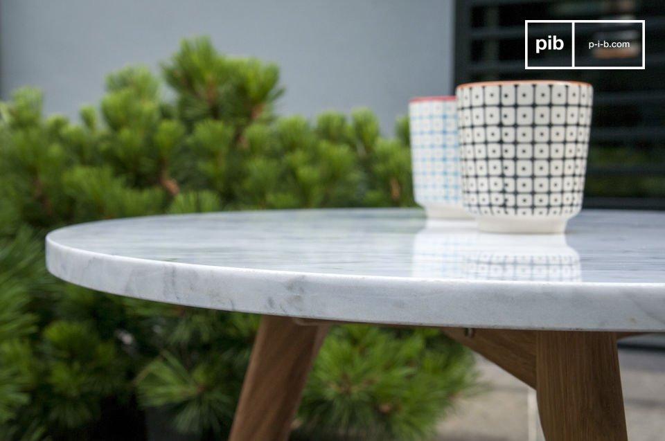 La table basse Briët vous séduira par son design scandinave rétro et son style très épuré