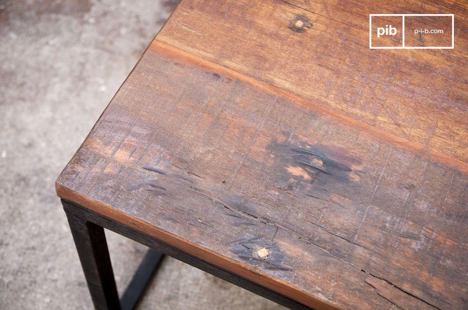 Table basse de style industriel en bois massif