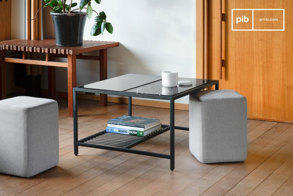 Belle table basse au style international avec poufs encastrables.