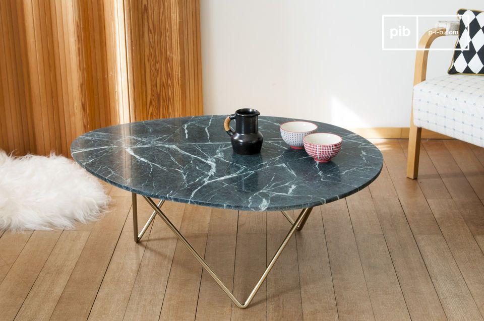 Une table basse en marbre jouant sur l'association des formes