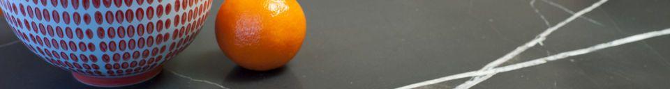 Mise en avant matière Table basse en marbre vert Maybury