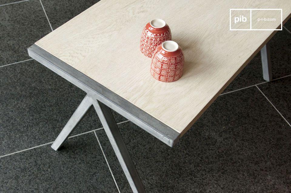 Une paire de tables au charme nordique