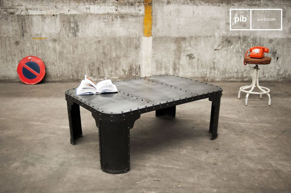 table basse industrielle brigor un caract re tremp pib. Black Bedroom Furniture Sets. Home Design Ideas