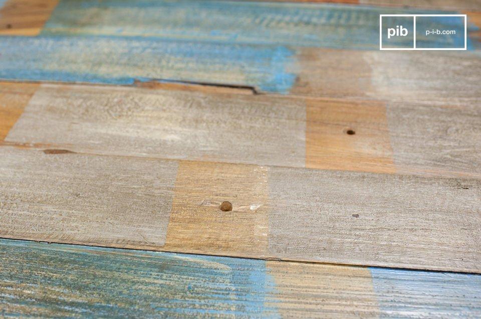 Besoin d\'une table bois metal atypique et vintage à la fois? Avec sa teinte et son design