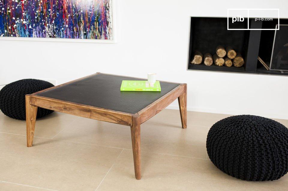 La table basse Naröd associe l\'élégance soignée d\'une ligne sobre issue du style scandinave du