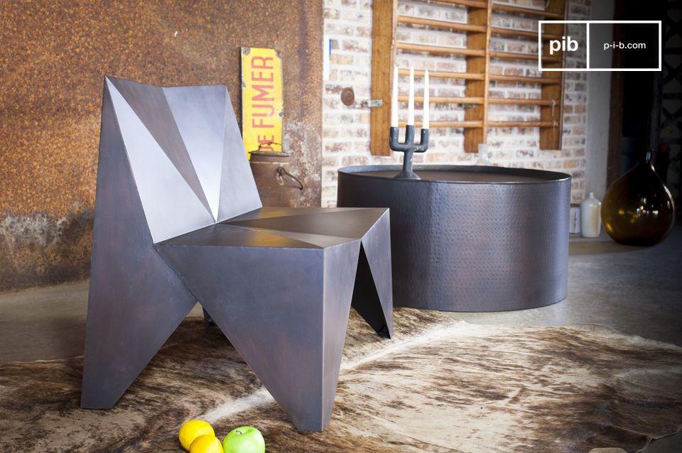 La table basse ronde Subolo possède une forme cylindrique dotée d\'un rebord sur le plateau qui