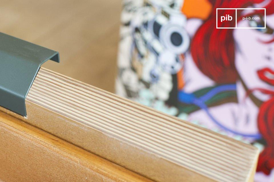 Une table qui s\'intégrera facilement tant dans des intérieurs aux accents scandinave rétros que