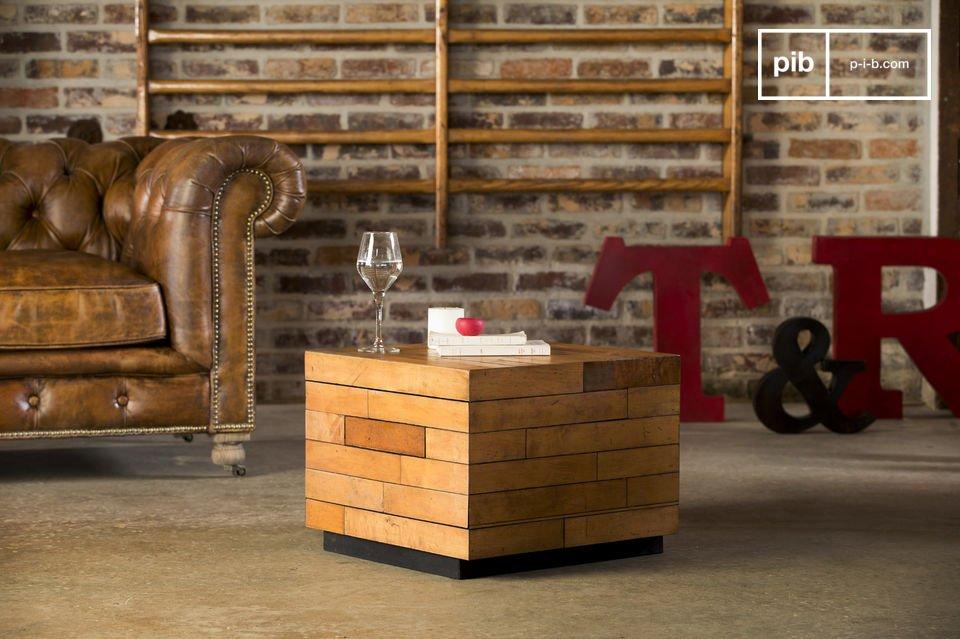 Conçue en bois d\'érable, la table basse possède d\'excellentes finitions