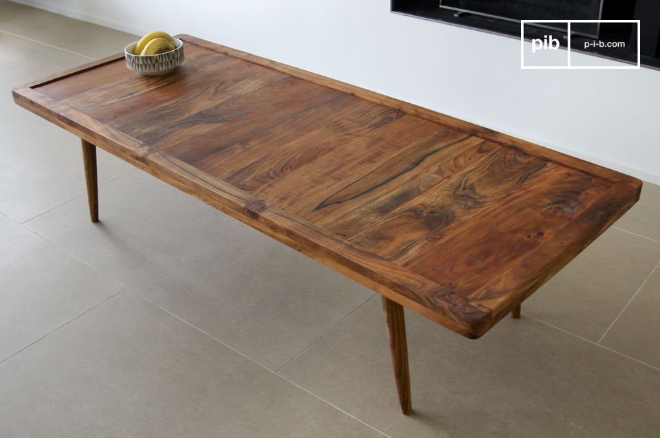 Une table basse élégante qui puise son inspiration dans le mobilier scandinave vintage et dont la