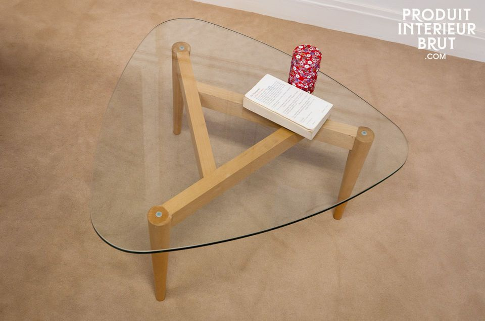 La légèreté d'une table en verre, le style vintage d'une table tripode