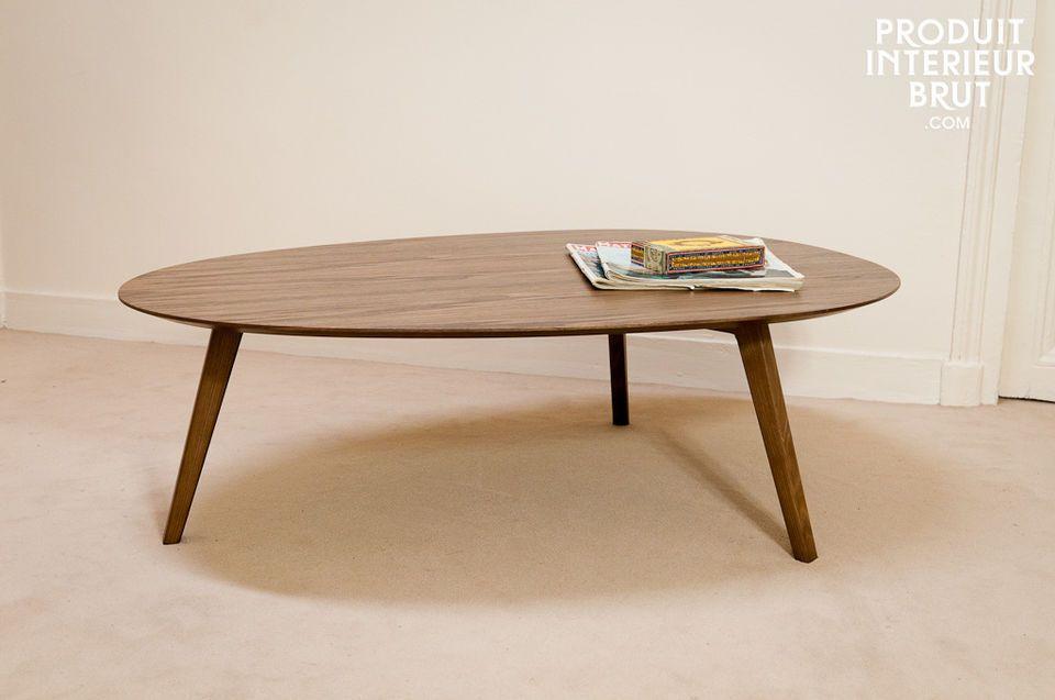 Élégance et style vintage pour une table en finition noyer