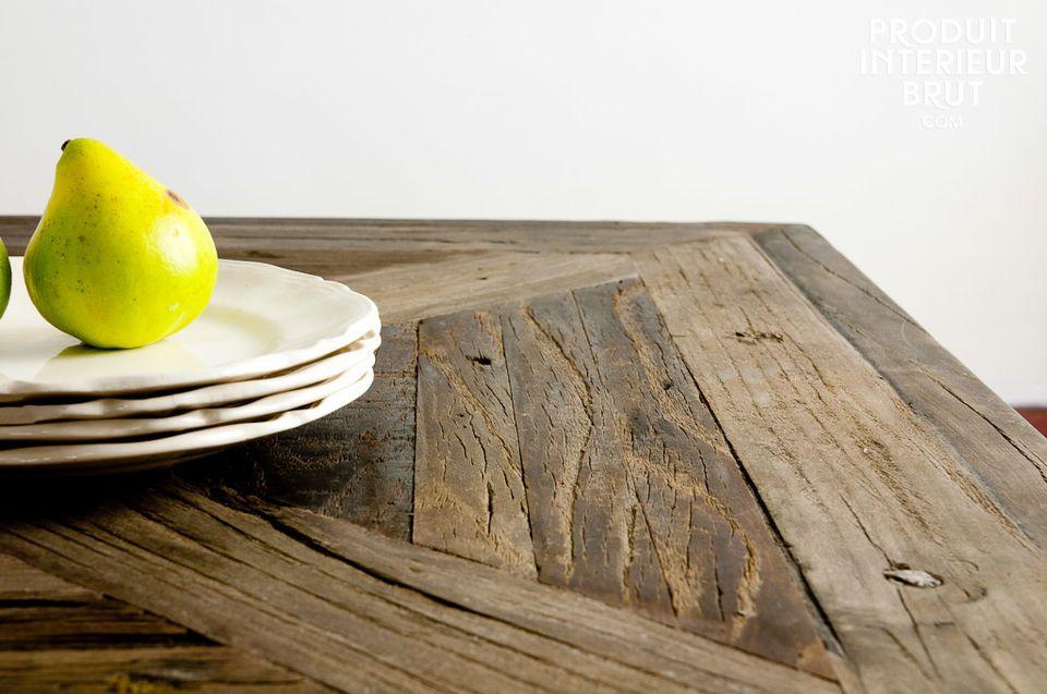 Dimensions pratiques et charme du bois ancien