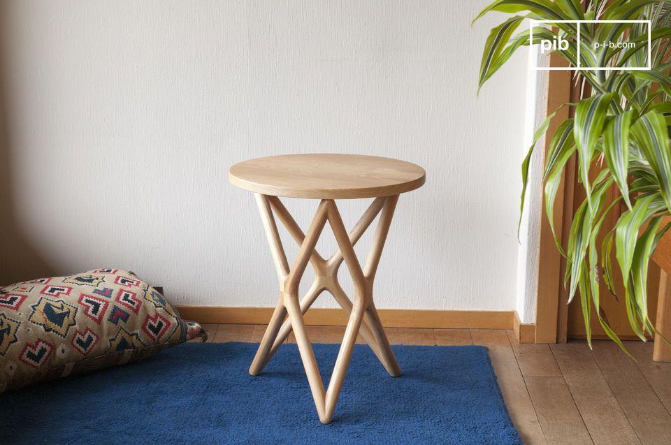 L'élégance du design scandinave vintage pour une table tout en bois