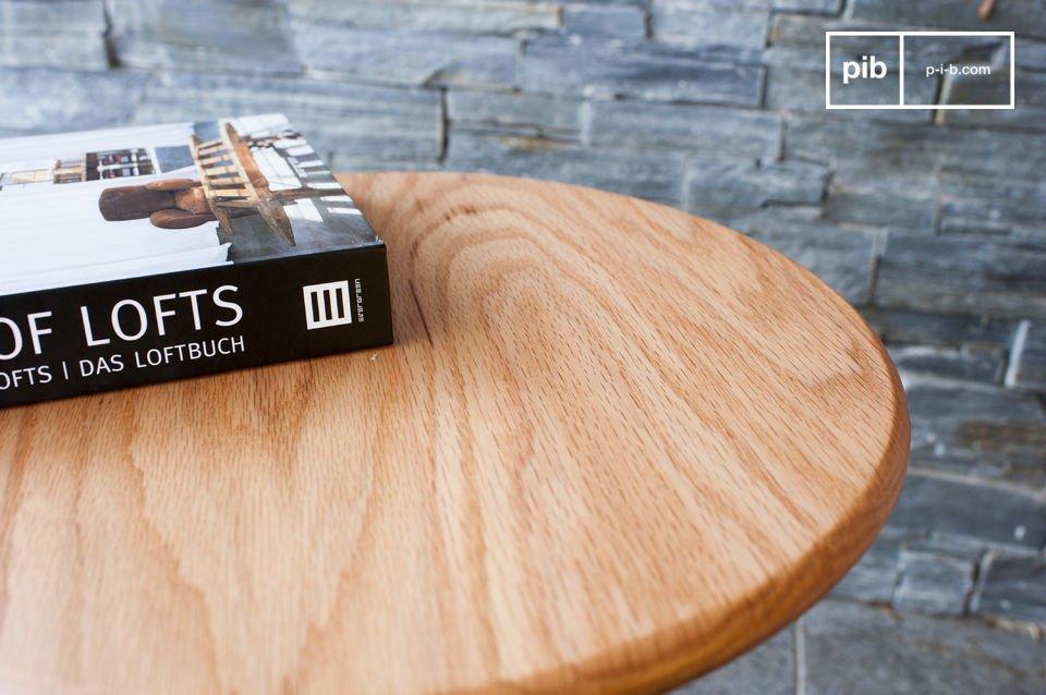 La table d\'appoint Ninféa est une digne représentante de l\'élégance minimaliste venue du nord