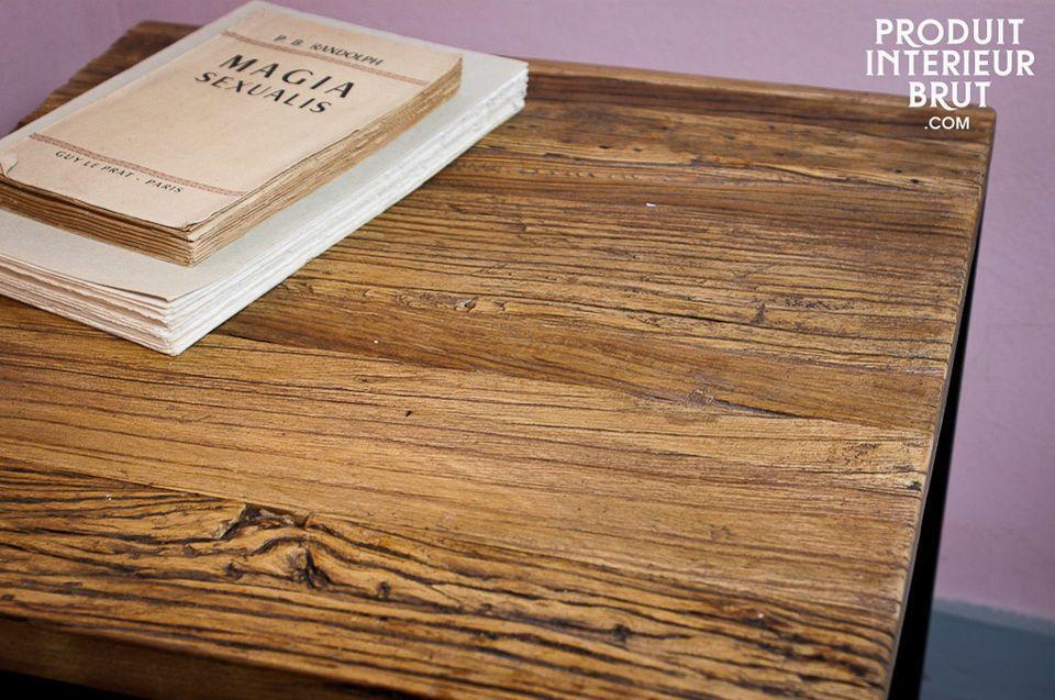 La table d\'appoint Soho Loft ne cache pas ses origines industrielles avec sa structure métallique