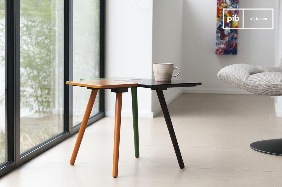 Une petite table puzzle haute en couleur