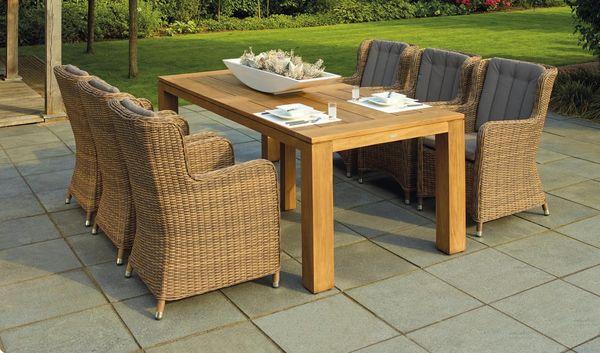 Table de repas d'extérieur en bois massif épais