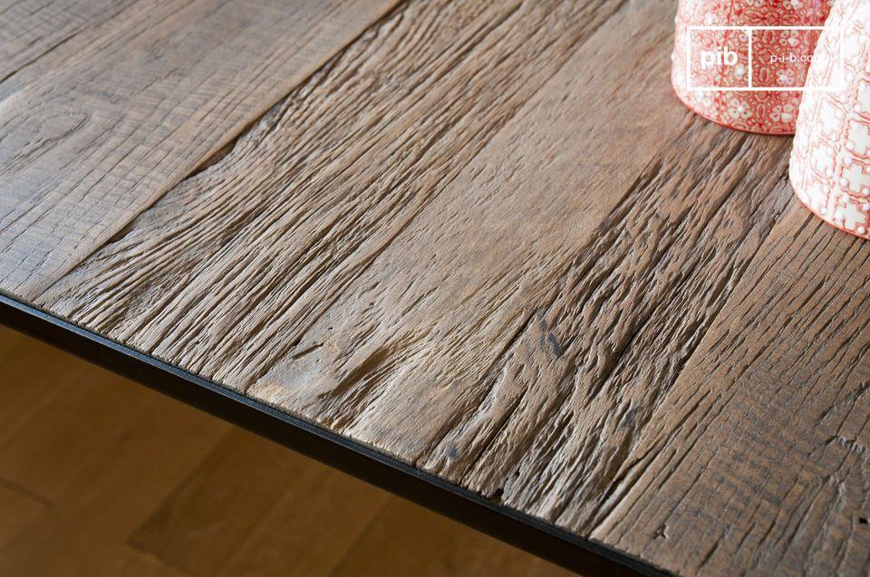Elégante et robuste, la table de repas Sherman traversa ainsi les décennies sans encombre