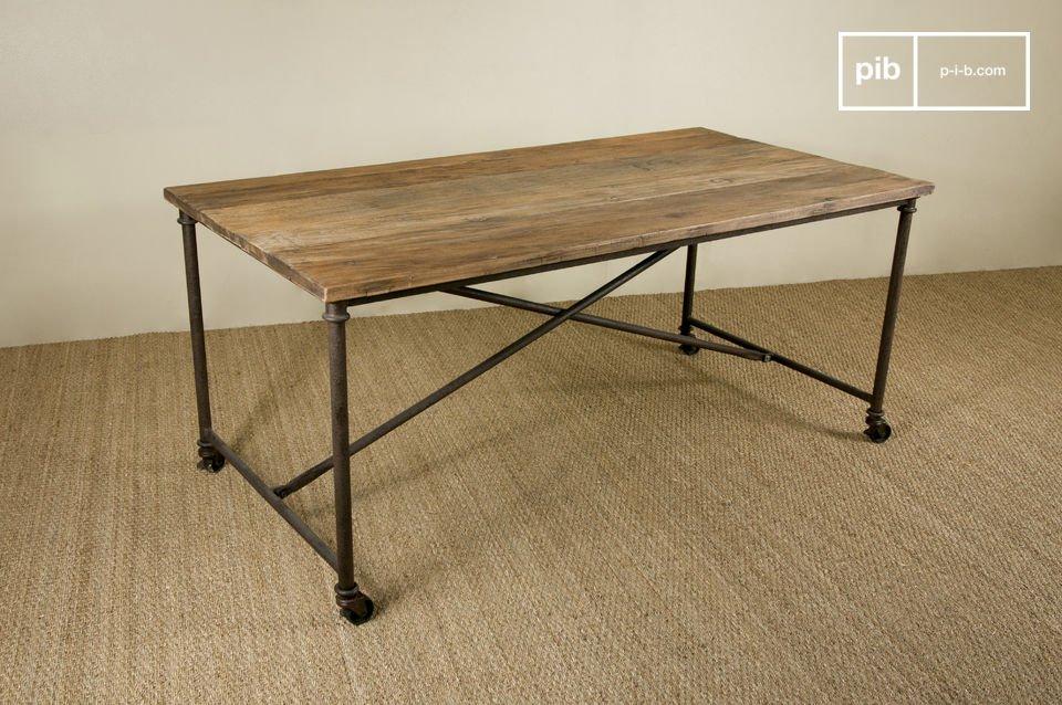 Table en bois et en métal, plateau en orme ancien verni