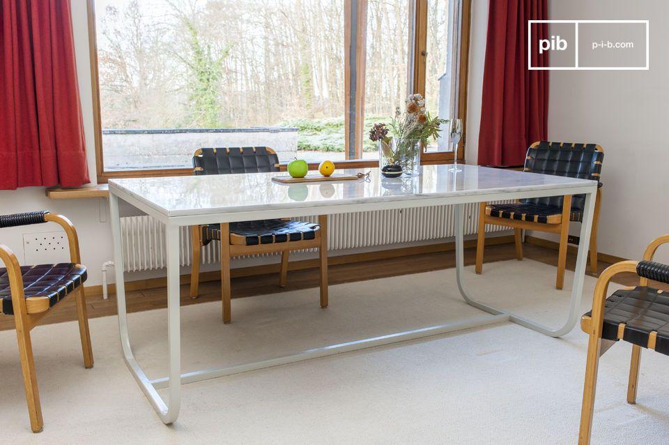 Table de repas nordique en marbre Gällo
