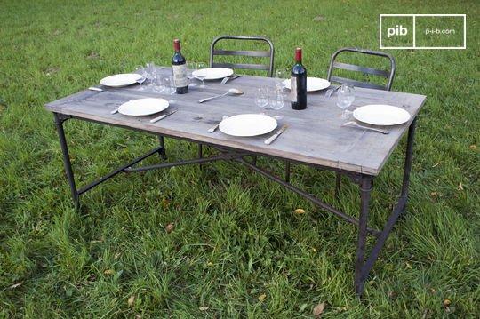 Table rustique de tapissier en orme ancien
