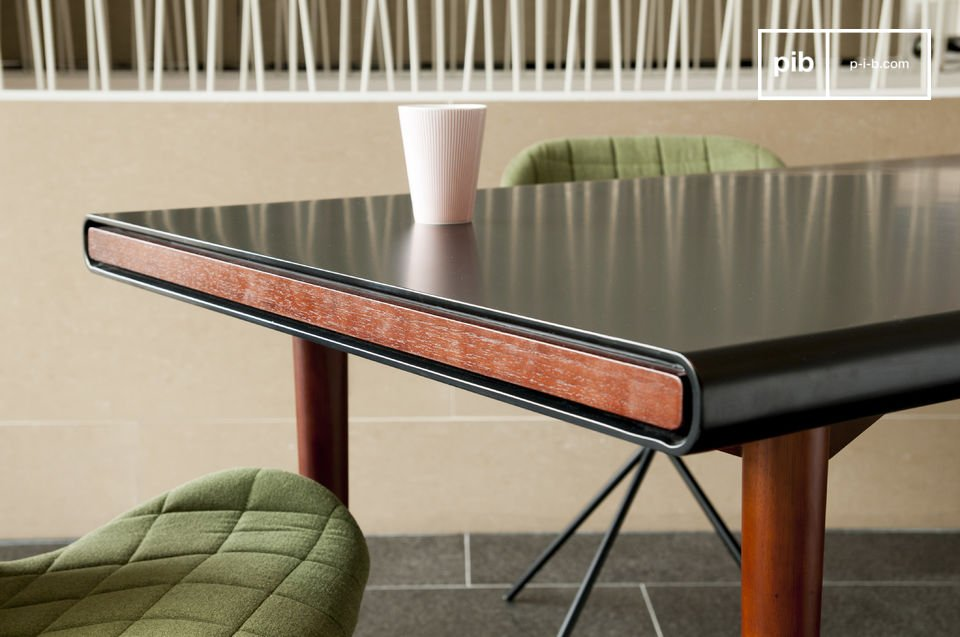 L'élégance d'une table au design scandinave