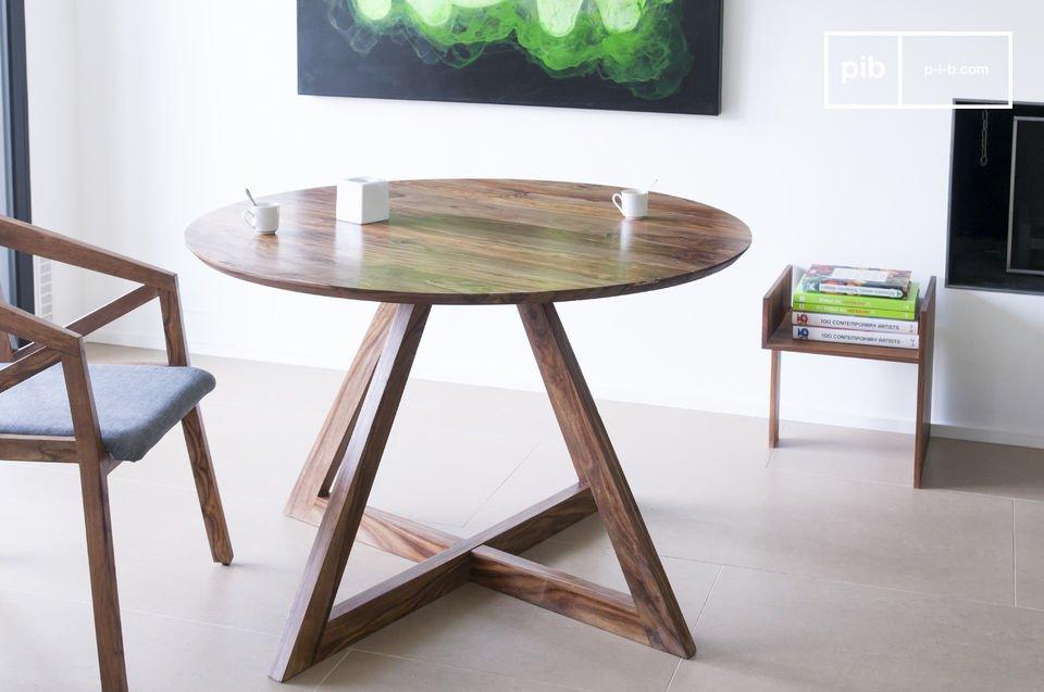 La solidité n\'est pas en reste puisque tout le meuble est réalisé en bois de rose massif