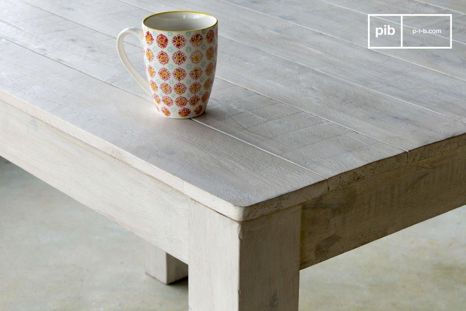 La table en bois Epicure est un meuble campagne qui apportera une note résolument rétro à votre
