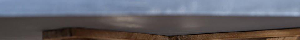 Mise en avant matière Table en bois Sépia