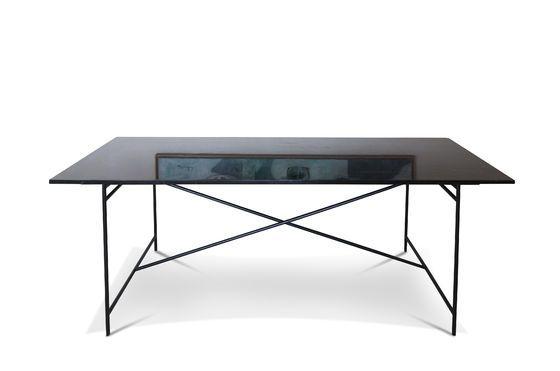Table en marbre noir Thorning Détouré