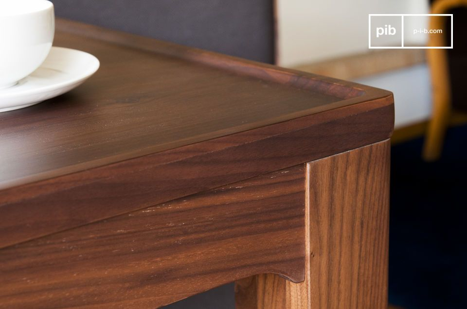 table en noyer hem t bois noble et sobri t pib. Black Bedroom Furniture Sets. Home Design Ideas