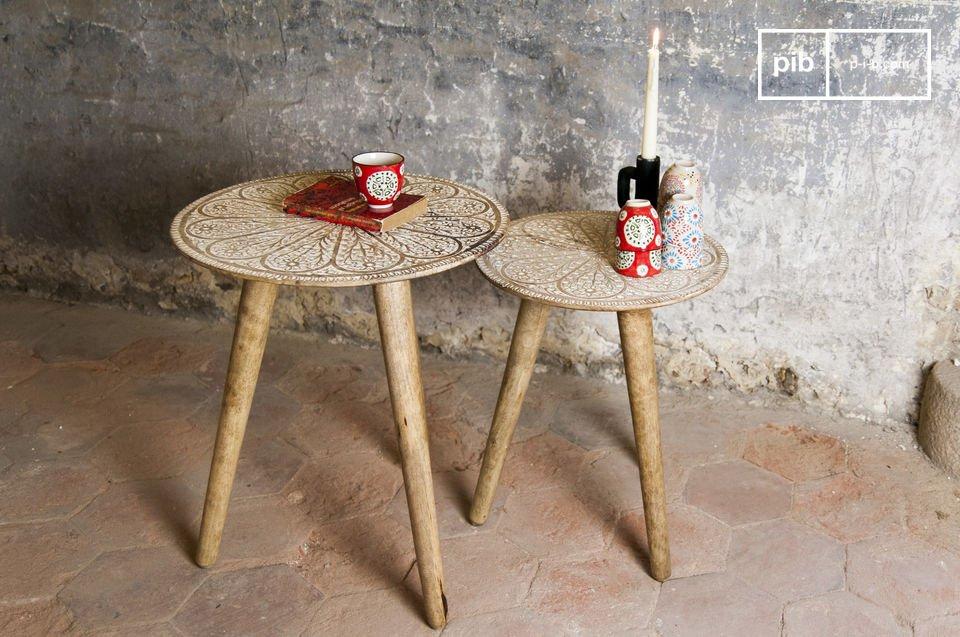 La table gigogne Minelle est un magnifique duo au charme du mobilier bohémien qui participera à la