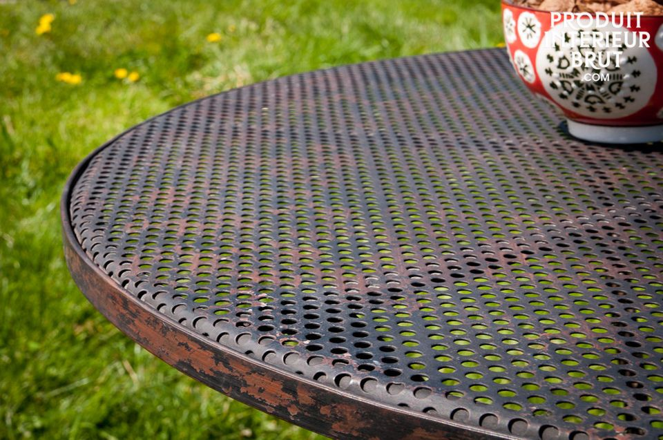 Une table patinée pour l'intérieur ou l'extérieur